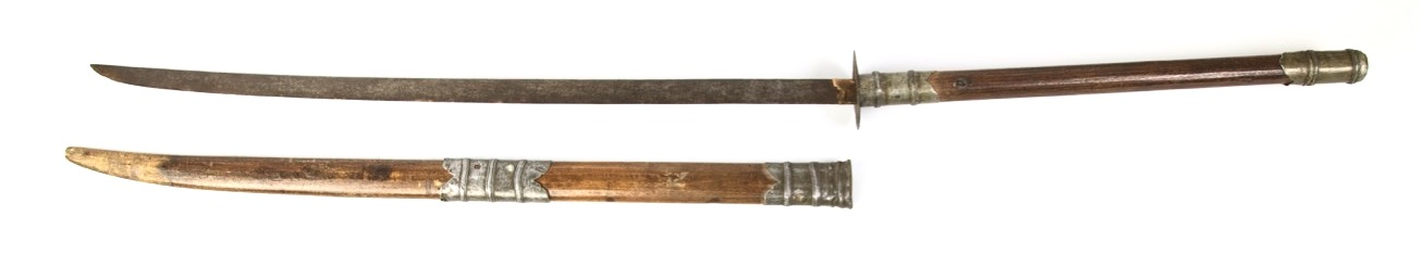 A north Vietnamese two handed saber, or guom truong. Peter Dekker - www.mandarinmansion.com