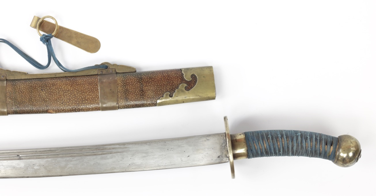 A good antique Chinese standard military pattern saber, Qing dynasty, mid 19th century.